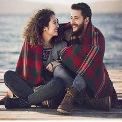 این نشانه ها در مرد مورد علاقه تان بیانگر عشق او نسبت به شماست !!