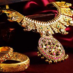 choose jewelry skin color 239x239 - روش انتخاب جواهر برحسب رنگ پوست
